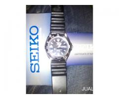 Seiko 5 automatic 100m water resist