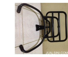 Dijual Cepat Backrack Original black for vespa matic