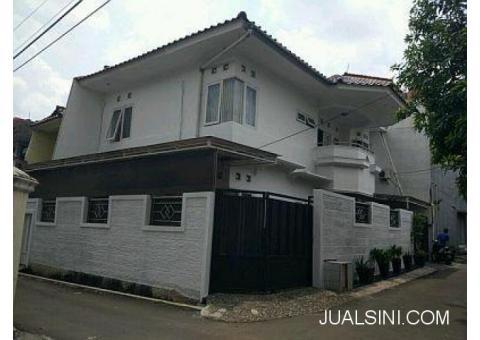 Jual RUMAH Hook 2 Lantai Full Furnished di Pondok Kelapa Jakarta