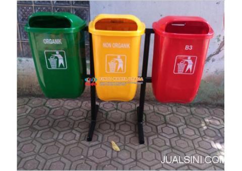 Tempat Sampah Tiga Pilah Bahan Fiberglass