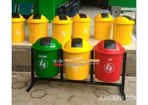 Pusat Tempat Sampah Gandeng Tiga Warna Bahan Fiberglass