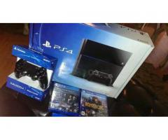 Sony Playstation 4 + 2 Controllers & 10 Games $300usd