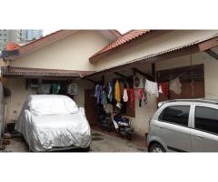 Rumah di Segitiga Emas Karet Pedurenan Kuningan Jakarta Selatan